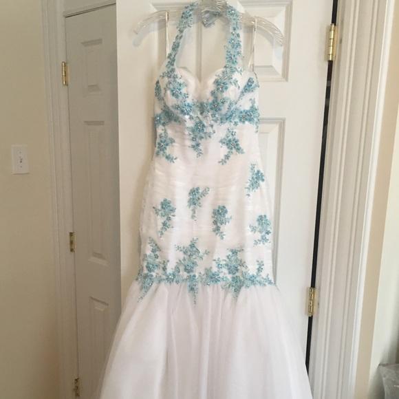 Tony Bowls Dresses & Skirts - White & Blue Tony Bowls Gown